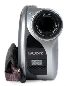 Sony DCR-DVD105 / DCR-DVD205: DVD-Camcorder für Einsteiger